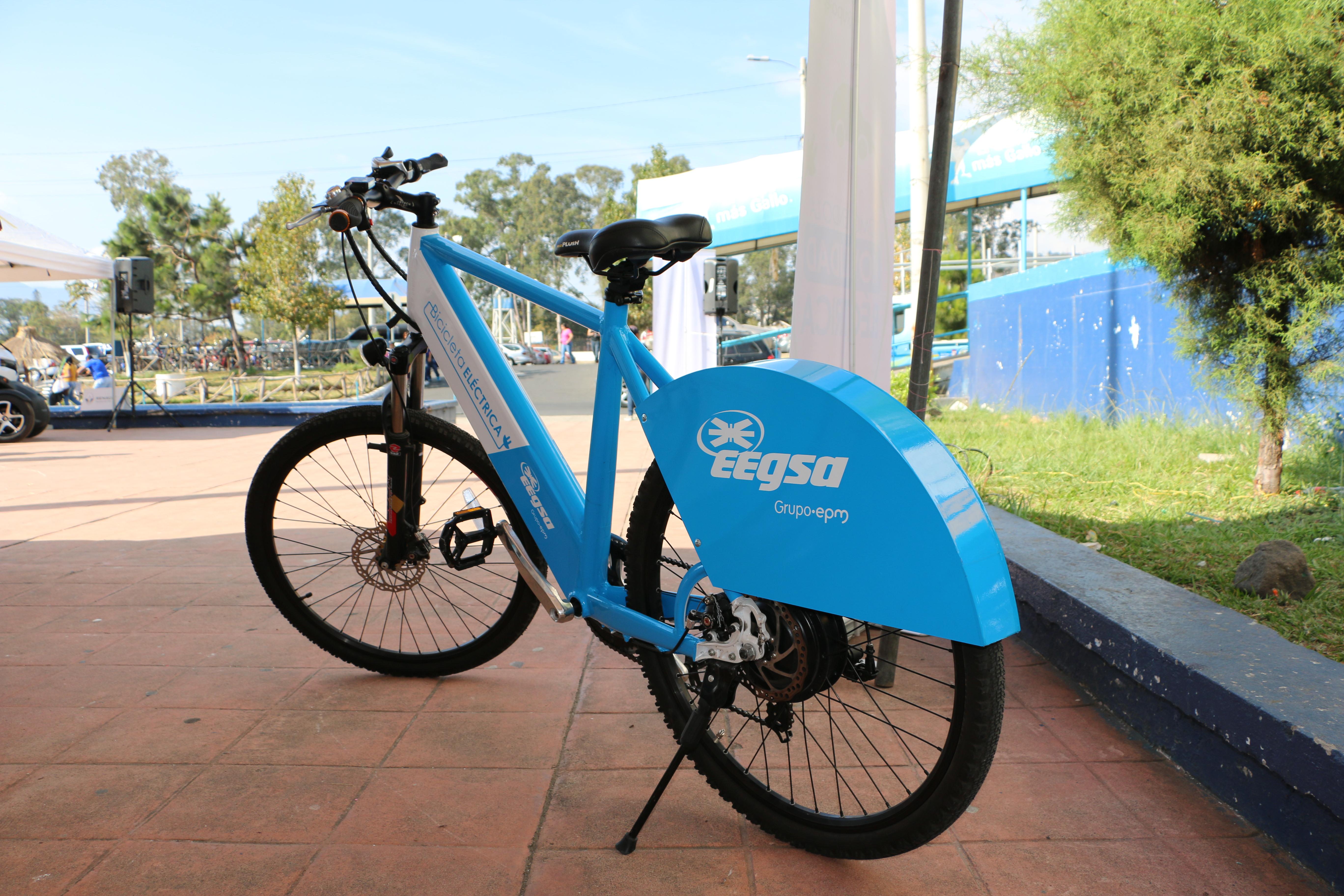 https://eegsa.com/wp-content/uploads/2019/06/Bicicleta-eléctrica.jpg